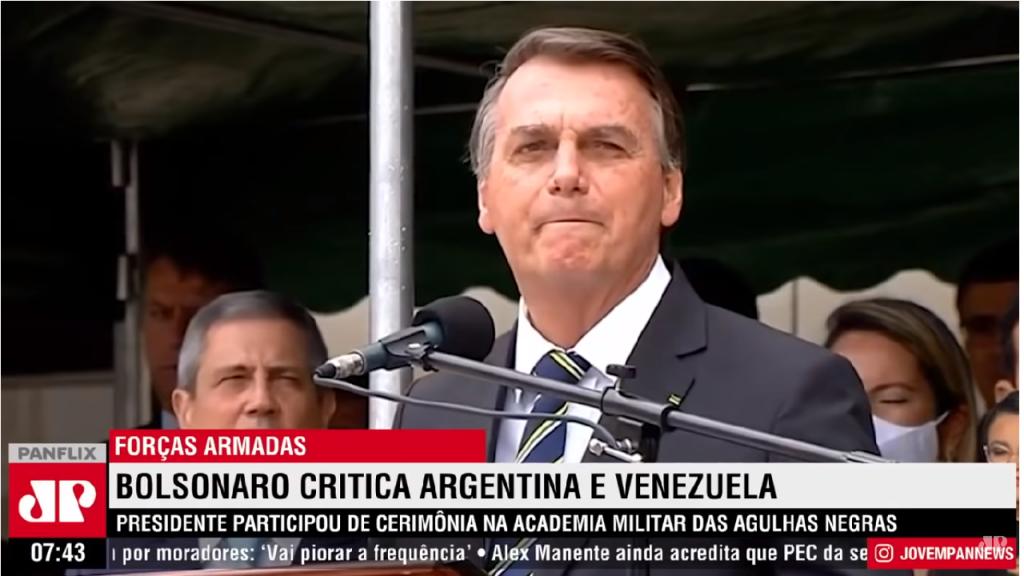 Bolsonaro afirma que Forças Armadas tem como missão garantir liberdade à população
