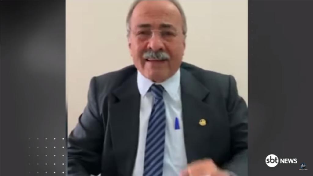 Chico Rodrigues pública vídeo explicando por que guardou o dinheiro na cueca