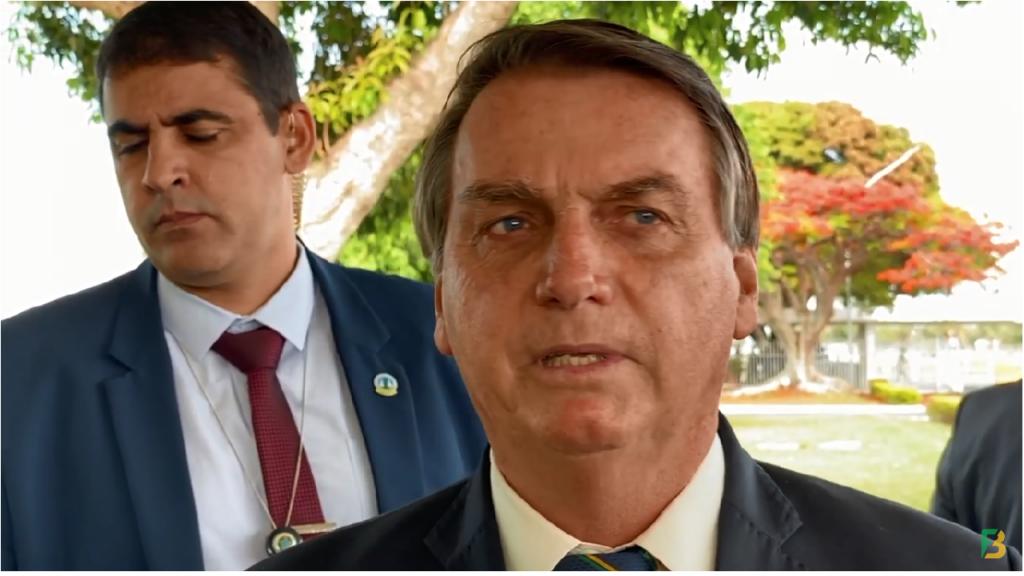 Presidente Jair Bolsonaro fala sobre obrigatoriedade da vacina