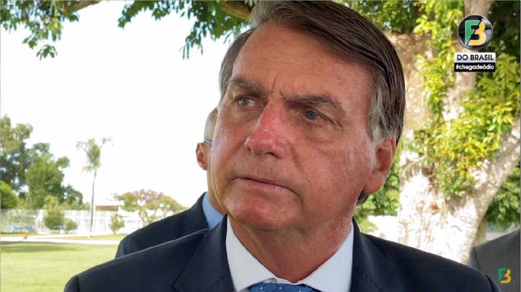 """Bolsonaro faz criticas ao governador de SP e diz """"Aumentou o ICMS de quase tudo"""""""