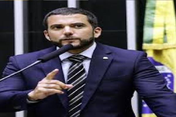 Carlos Jordy entra com representação contra João Doria por improbidade administrativa