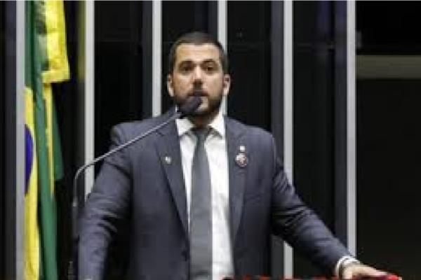 """Carlos Jordy rebate Marcelo Freixo por atacar o presidente e diz """"Você é um lixo!"""""""