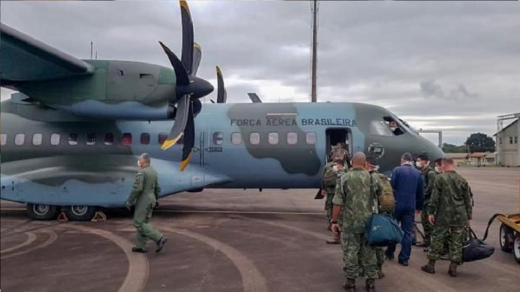 FAB transporta mais de 8 toneladas de equipamentos para Manaus