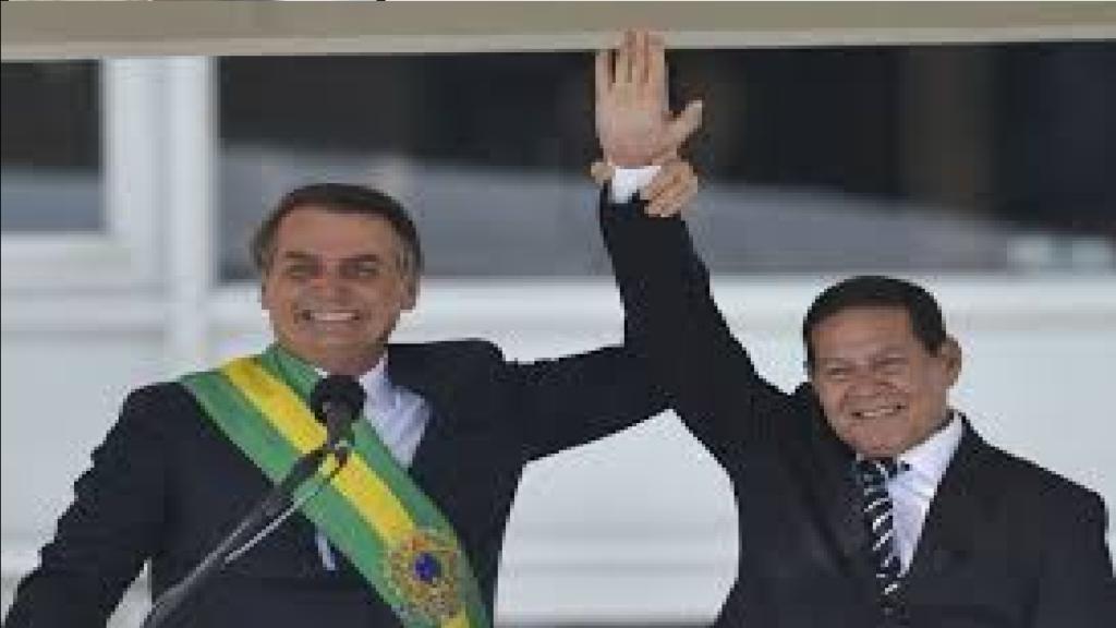 """General Mourão comenta sobre as eleições de 2022 e diz """"Não vejo adversário para o presidente Bolsonaro"""""""