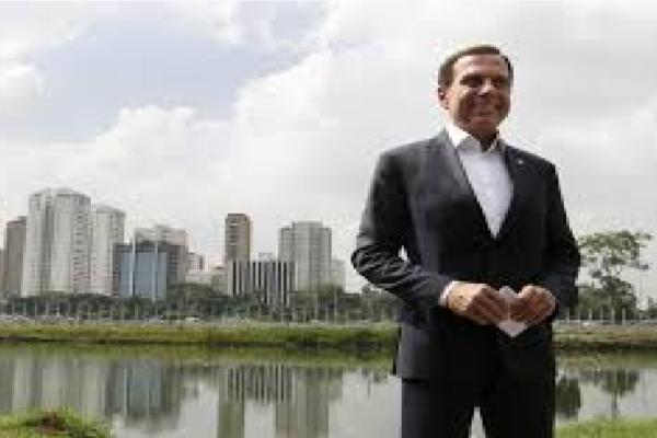 """Governador de SP compartilha matéria do Estadão sobre o Rio Pinheiros e diz """"Fiquei emocionado"""""""