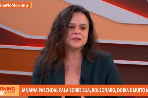 """Janaína Paschoal sai em defesa de Bolsonaro sobre vacina e diz """"Todos esses ataques ao Presidente me pareceram um pouco injusto"""""""