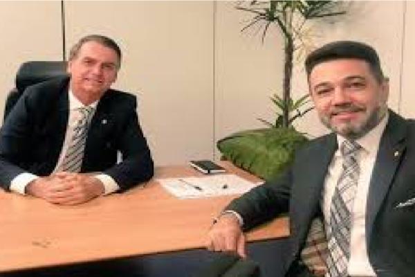 """Marco Feliciano volta elogiar Bolsonaro e diz """"Um homem Humilde"""""""