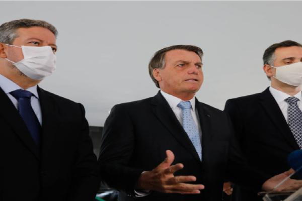 Bolsonaro recebe Lira e Pacheco no Planalto Imperará harmonia entre nós