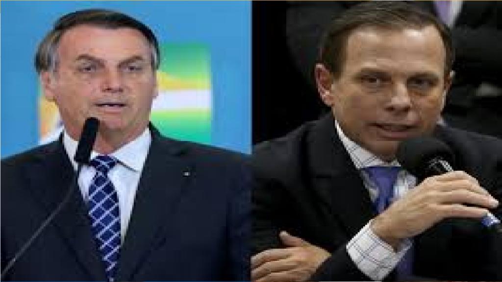 """Carlos Bolsonaro anuncia feitos de Bolsonaro na pandemia e diz """"A diferença entre um homem e um oportunista"""""""