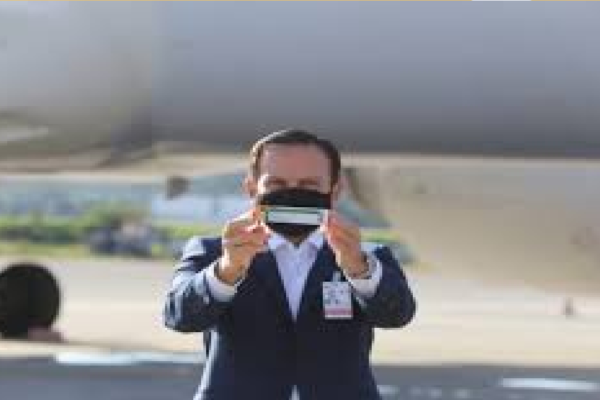 Douglas Garcia informa que Anvisa liberou uso emergencial da Coronavac sem ter conhecimento sobre as cláusulas confidenciais