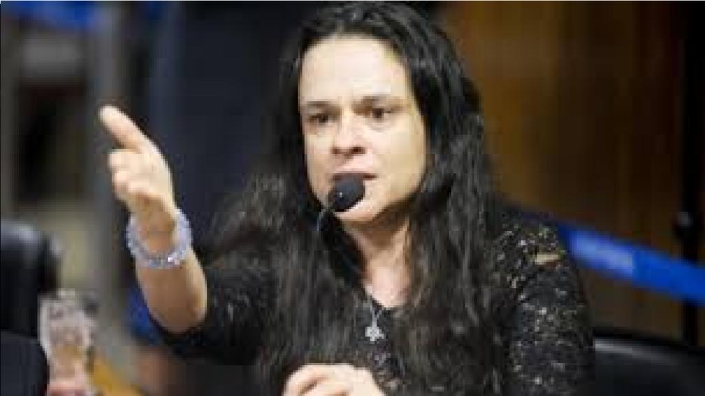 """Janaína Paschoal alfineta Doria e desabafa """"Chega a ser ridículo ver esse povo discutindo quem apoiará quem em 2022"""""""