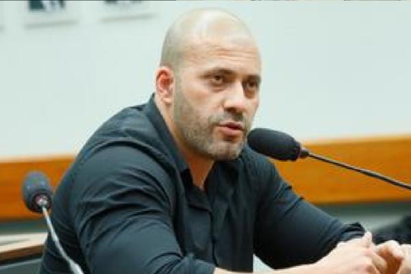 Liderança do PSL defende soltura de Silveira e pressiona Câmara a soltar deputado