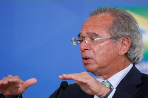 Paulo Guedes diz que auxílio pode voltar para metade dos beneficiários