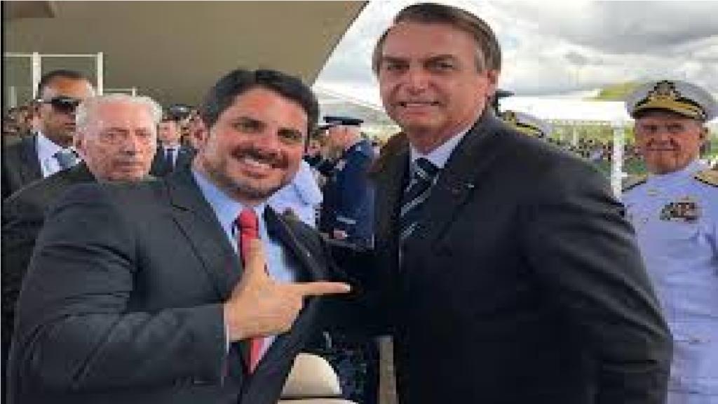 """Senador avalia decreto de Bolsonaro na facilitação da compra de arma de fogo e diz """"A sociedade quer ter o seu direito de defesa"""""""